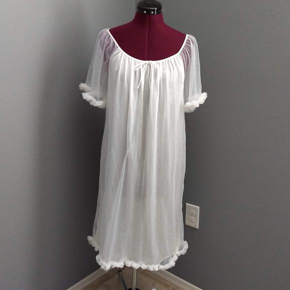Vintage 1970's Elissia White Ruffle Hem Nightgown